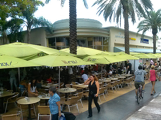 Lincoln Road Mall Net Cafe